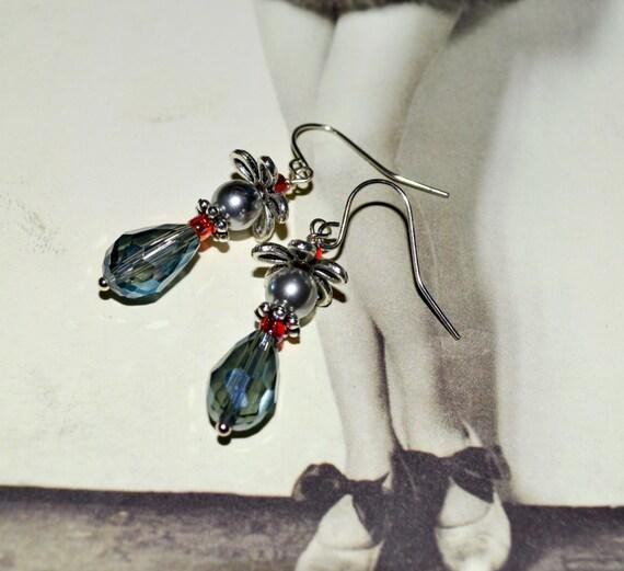 Drop Earrings, Blue Grey Dangle Earrings, Crystal Earrings, Teardrop Crystal, Grey Glass Pearl, Bead Earrings, Ladies Jewelry, Crystal Bead