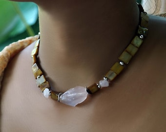 Rose Quartz Shell Necklace, Gemstone Stone Choker, Shell Choker, Boho Necklace, Skin Tone Statement Necklace
