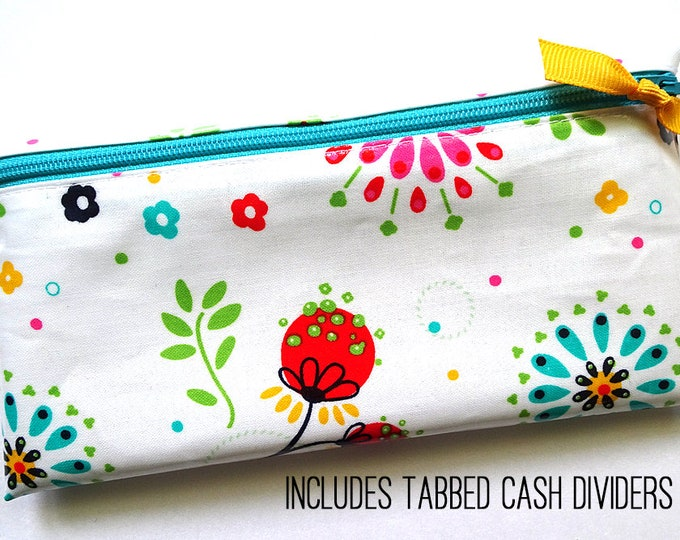 Money envelope system wallet in white laminated cotton with flowers
