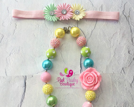 Bubblegum bead Necklace. Baby Necklace. Children's Necklace. Photo Prop. Girl Necklace. Baby Jewelry. Baby Girl Rainbow Necklace Chunky