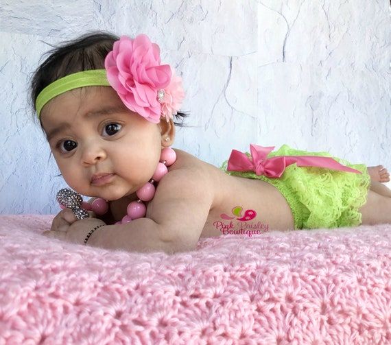 Baby Ruffle Bloomers set .. Newborn Outfit... Lime Lace Ruffle Bloomer.. Baby bloomers .. Newborn Ruffle Diaper cover .. Photo prop