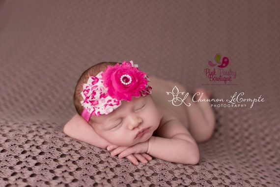 Baby Headband. Valentine's Headband. Heart Baby headbands. Heart Infant Headband. Baby hair accessories. Valentines Hairbows. Baby Bows.