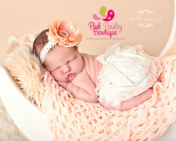 Baby Bloomer Set- Ivory Bloomers - baby Christening - Newborn Ruffle diaper cover  Baby Photo Outfit Ruffle Baby Diaper cover Newborn Photos