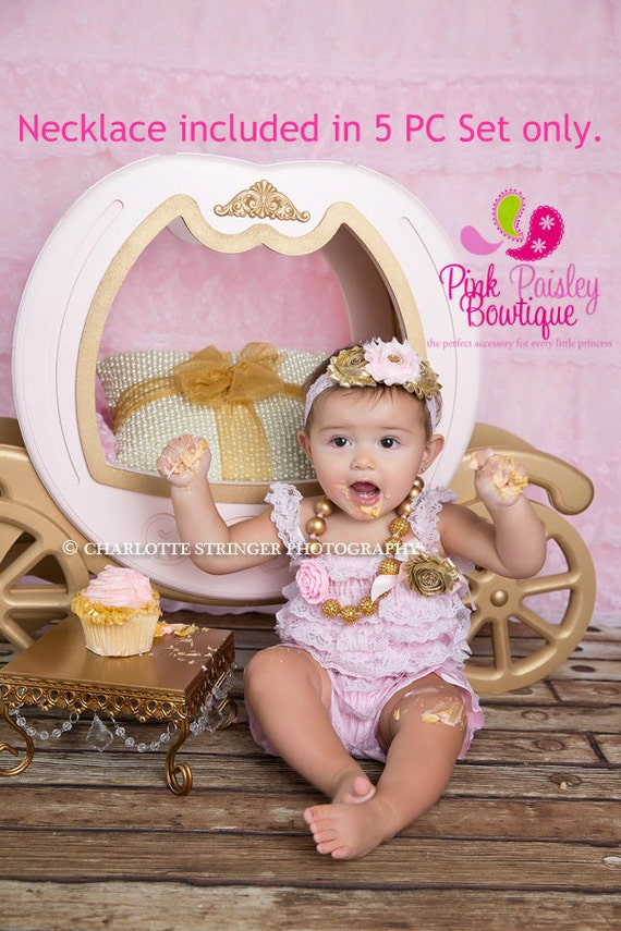 Gold Sparkle 1st Birthday, Pink and Gold birthday outfit, Gold Cake Smash Outfit, Baby Girl Birthday Pictures, Gold Glitter Birthday Party