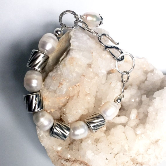 """Lots of Silver! Sterling Silver and Large Freshwater Pearl Bracelet. Fits 7 - 7.5"""" Wrist"""