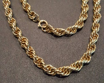 17 inch gold tone chunky row necklace