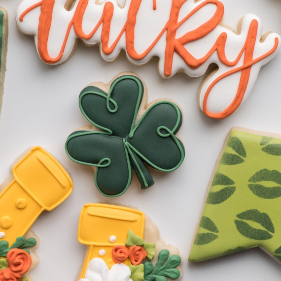 St Patrick/'s Shamrock Cookie Cutter and Free Lucky Charms Choice of Sizes