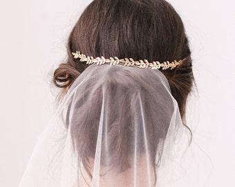 Gold leaf hair vine • Mini gold leaf wedding hair vine • Gold leaf bridal hair vine • Gold leaf wedding headband • Gold leaf wedding crown