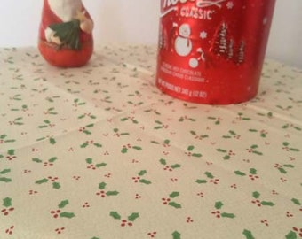 Tissu de Noël motif houx - 50 cm