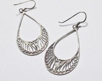 Vintage Sterling Silver Filigree Hanging Dangle Style Pierced Earrings