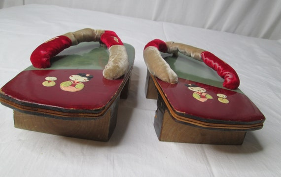 Japanese Wooden Lacquer Geisha Sandals Shoes 1940… - image 2