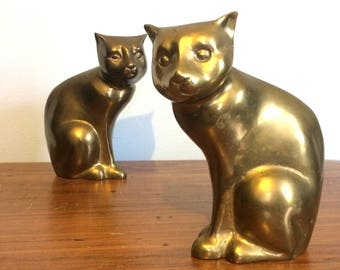 Vintage Brass Cat Figurines or Bookends / Metal Cat Sculptures / Cat Home Decor