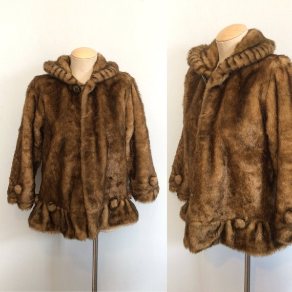Vintage 40s 50s Faux Fur Coat / Scalloped Edge Coa