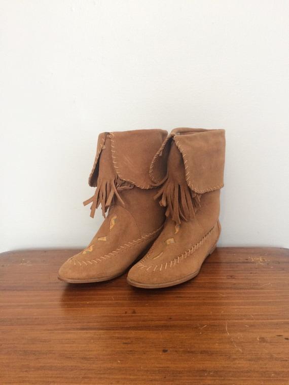 Vintage Suede Moccasin Boots / Tan