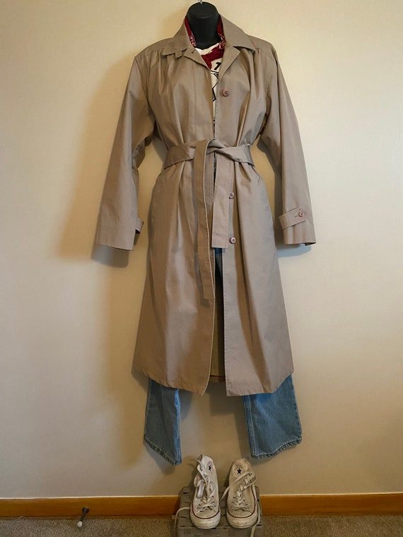 Vintage London Fog Trench Coat / Vintage Womans Ja