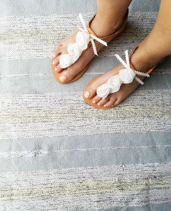 White Leather Floral Greek bar Sandals Sandals Sandals Wedding White Sandals Flats T Sandals Bridesmaid Pearl Party Sandals Bridal OXrAfqO