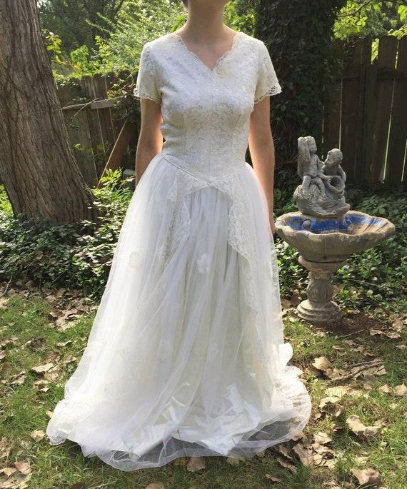 Vintage Lace And Tulle Wedding Dress, 1950's Style