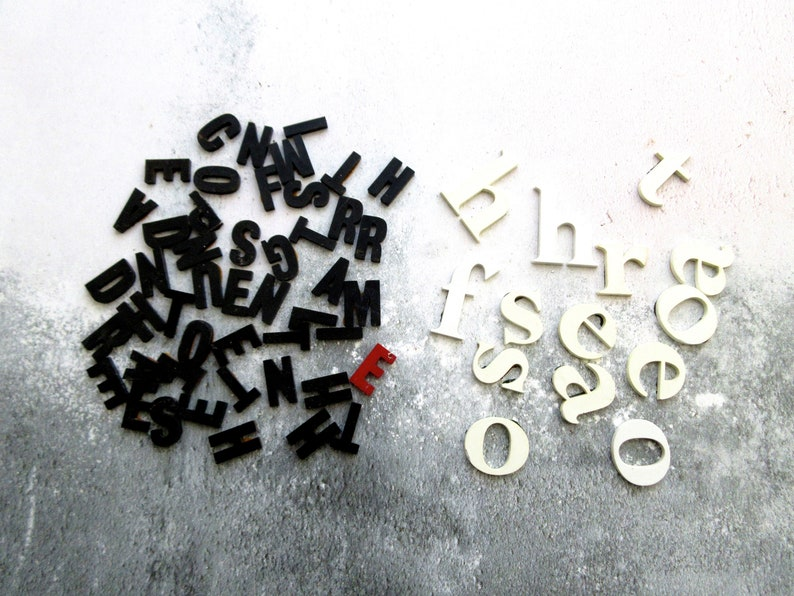 Collection of Vintage Black /& White Plastic Advertising Letters