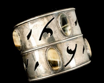 "2.25"" stunner Southwestern sterling silver Cuff Bracelet with cat's eye agate"