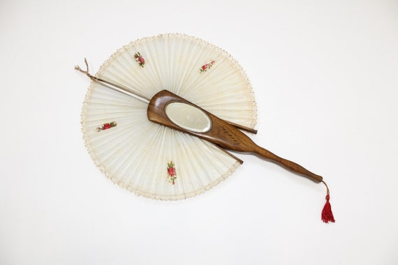 Late Victorian Ricardo Cockade Screen Flirting Fan with hand painted bird and bevelled oval mirror.