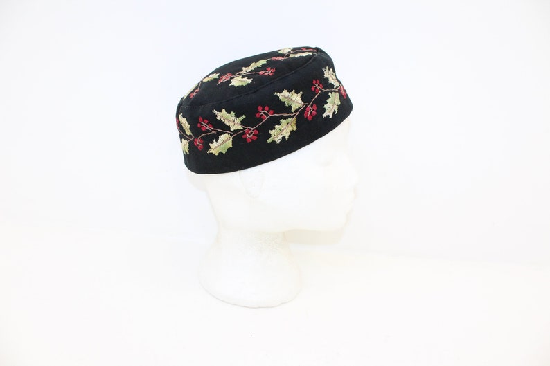 5ebfc3ea2 Antique Victorian Gentlemans mans mens smoking hat cap black wool  embroidered holly berry pattern