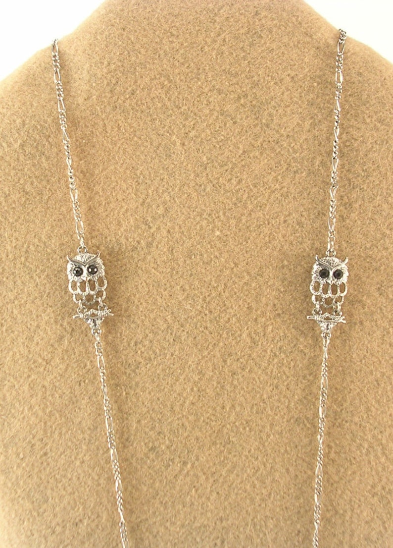 Silver Colored Metal Necklace 6 Owls with Big Black Eyes Very Long 46