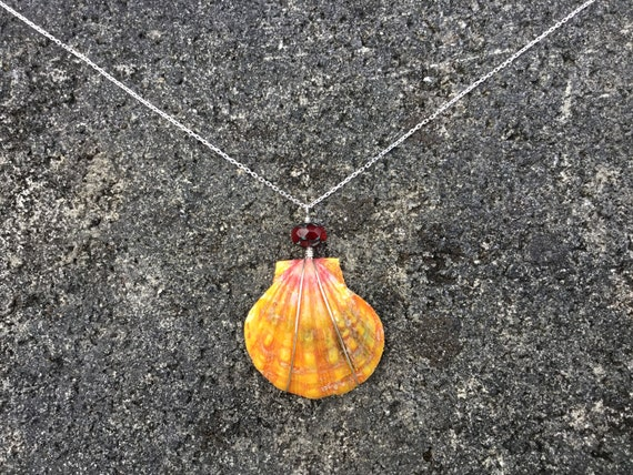 Hawaiian Sunrise Shell, Ruby Red Rhondelle, Sterling Silver Diamond Cut Chain Necklace