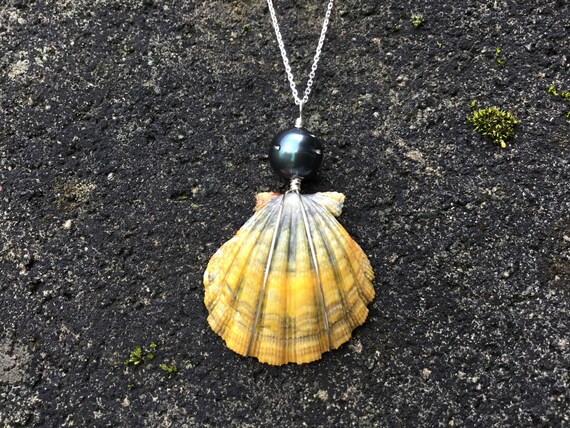 Blue Moonrise, Hawaiian Sunrise Shell, Black Tahitian Pearl, Sterling Silver Diamond Cut Necklace