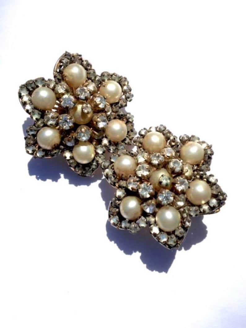 eeabb9a68d05e Hattie Carnegie Pearl & Rhinestone Star Earrings Vintage Designer Bridal  Fashion Jewelry