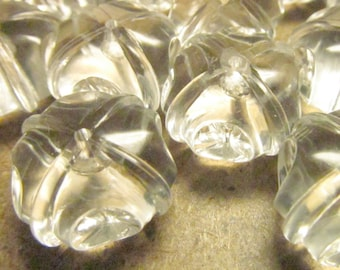 16 Vintage 15mm Carved Clear Transparent Beads Bd894