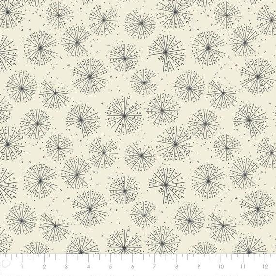 Camelot Cotton Quilt Fabric Petal Pusher Dandelion Blooms in cream