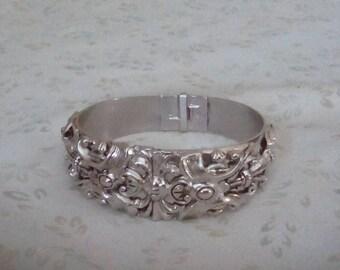 Vintage Whiting and Davis Ornate Design Silver Tone Clamp Bangle Bracelet