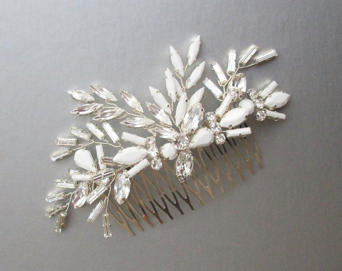 Swarovski crystal hair comb, Bridal crystal hair comb, Rhinestone bridal comb, White bridal headpiece, Wedding hair comb, Chalk white