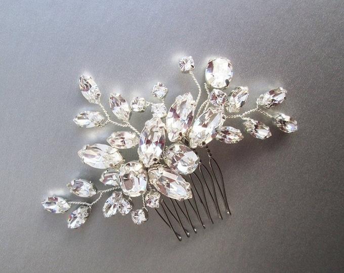 Swarovski crystal bridal hair comb, Wedding hair comb, Swarovski bridal comb, Rhinestone bridal comb, Wedding hair vine, Small bridal comb