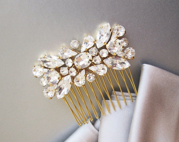 Gold Swarovski crystal hair comb, Bridal crystal comb, Dainty crystal hair comb, Sparkly bridal headpiece, Wedding hair comb, Bridal comb