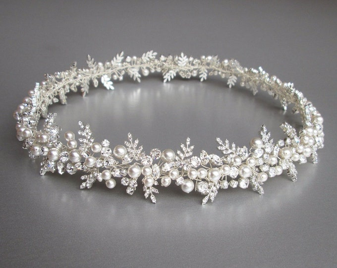 Fitted Bridal belt, Swarovski crystal and pearl belt, Rhinestone wedding belt in gold or silver, Bridal belt sash, Wedding belt with clasp