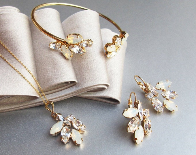 Opal Swarovski jewelry set, Swarovski crystal bracelet, earrings, necklace set, Bridal jewelry set in gold, rose gold, silver, Bridesmaids