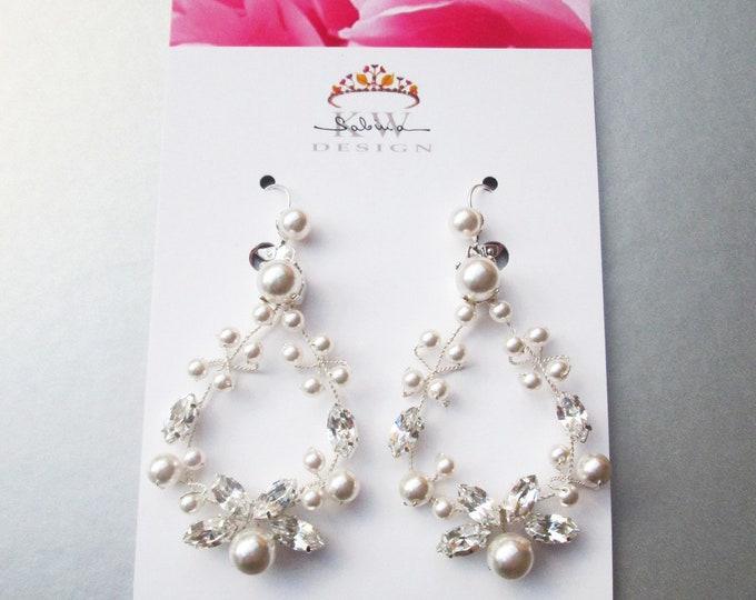 Bridal crystal earrings, Swarovski crystal pearl bridal earrings, Swarovski earrings,  Bridal rhinestone earrings in gold, silver, rose gold