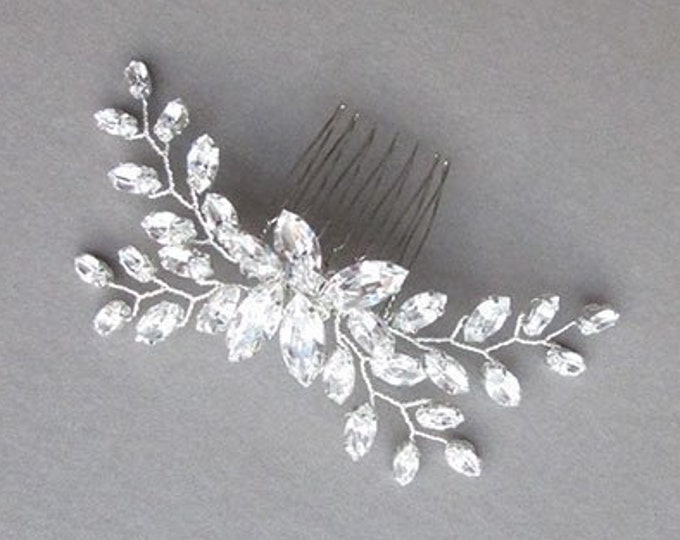 Swarovski crystal hair comb, Bridal crystal hair comb, Rhinestone bridal comb, Sparkly bridal headpiece, Wedding hair comb, Bridal comb