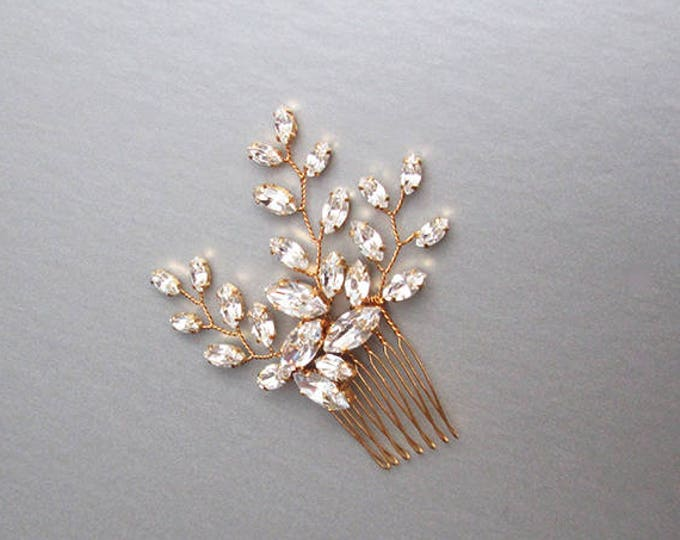 Swarovski crystal hair comb, Bridal crystal hair comb, Dainty crystal hair comb, Sparkly bridal headpiece, Wedding hair comb, Bridal comb