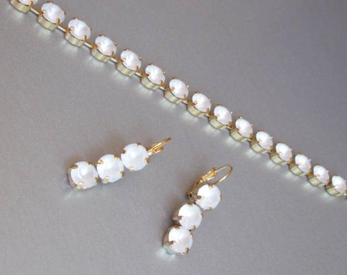 Swarovski crystal bridal bracelet and earrings set, Wedding jewelry set, Swarovski frosted matte crystal matching jewelry, minimalist look