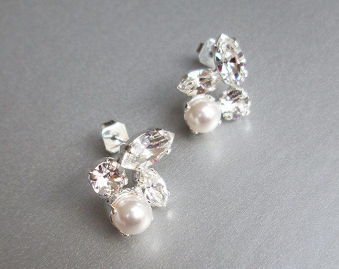 Dainty crystal and pearl Swarovski studs, Swarovski crystal bridal earrings, Stud rhinestone earrings in gold, silver, rose gold, Wedding