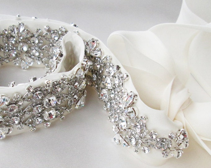 Bridal crystal belt sash, Beaded Crystal Rhinestone Sash, Wedding Sash, Sparkly bridal belt sash, Wedding belt, Silk organza sash belt