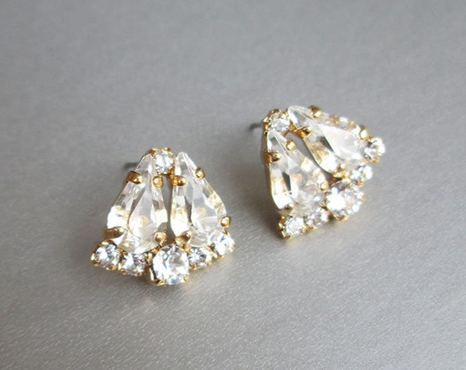 Dainty Bridal crystal studs, Swarovski bridal earrings, Wedding earrings, Stud rhinestone earrings in gold, silver, rose gold, Wedding