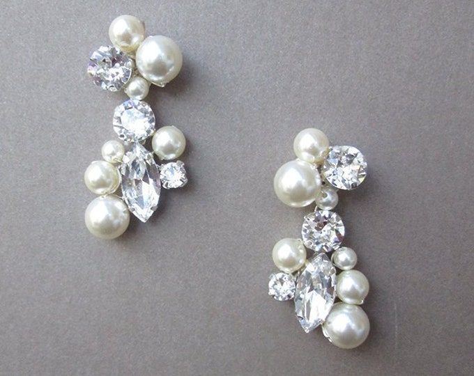 Bridal crystal earrings, Swarovski crystal and pearl bridal earrings, Swarovski earrings,  Bridal rhinestone earrings in gold or silver