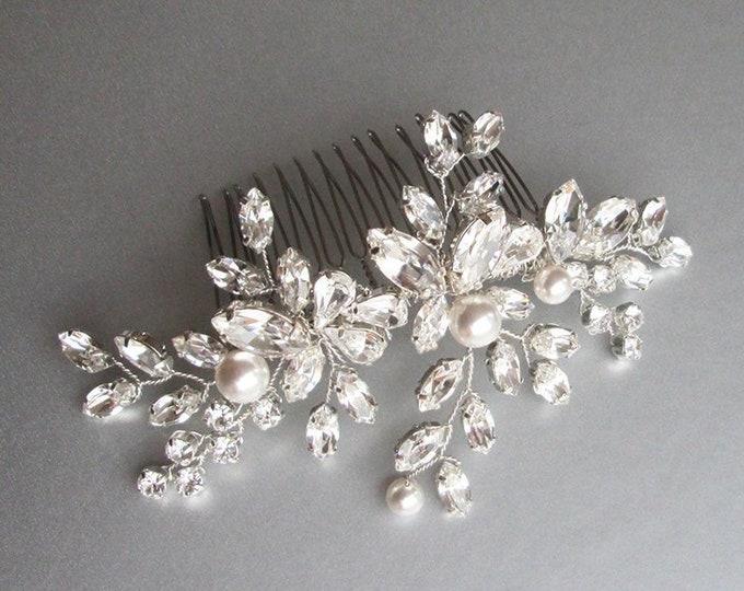 Swarovski crystal hair comb, Bridal crystal hair comb, Rhinestone bridal comb, Sparkly bridal headpiece, Wedding comb, Bridal pearl comb