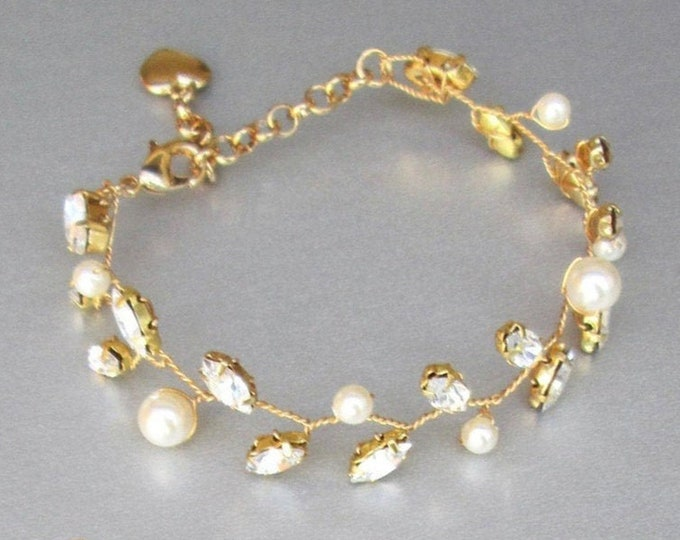 Swarovski crystal and pearl bridal bracelet, Delicate Swarovski  bracelet, Leaf vine Wedding jewelry set, Pearl bracelet in gold, silver
