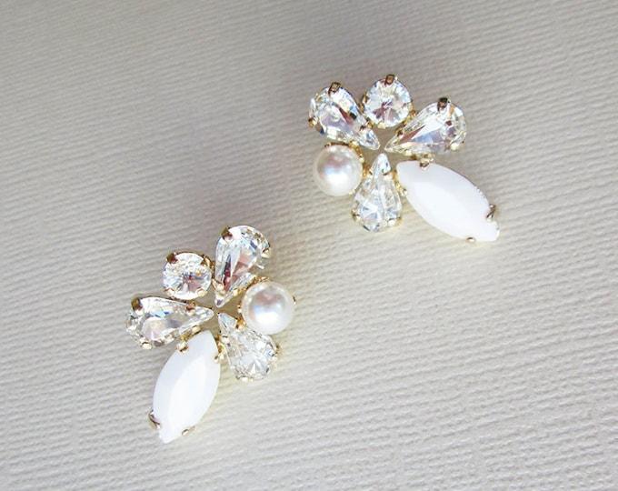 Swarovski crystal bridal earrings, Pearl and crystal studs, Stud rhinestone wedding earrings in gold, silver, rose gold, Post earrings