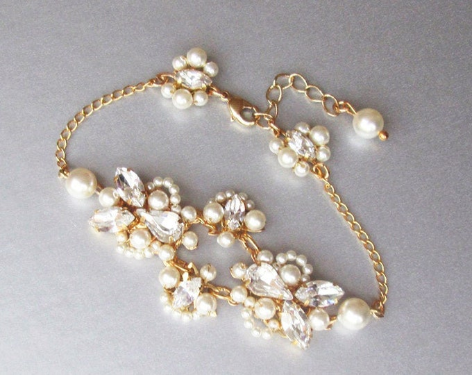 Swarovski crystal and pearl bridal bracelet, Delicate Swarovski bracelet, Wedding jewelry set, Pearl bracelet in gold, silver with pearls