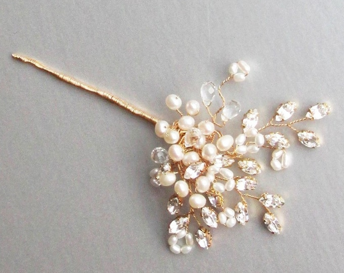 Bridal crystal hair pin, Swarovski crystal and cultured freshwater pearl hair pin, Bridal crystal hair pin, Pearl and crystal hair pin comb